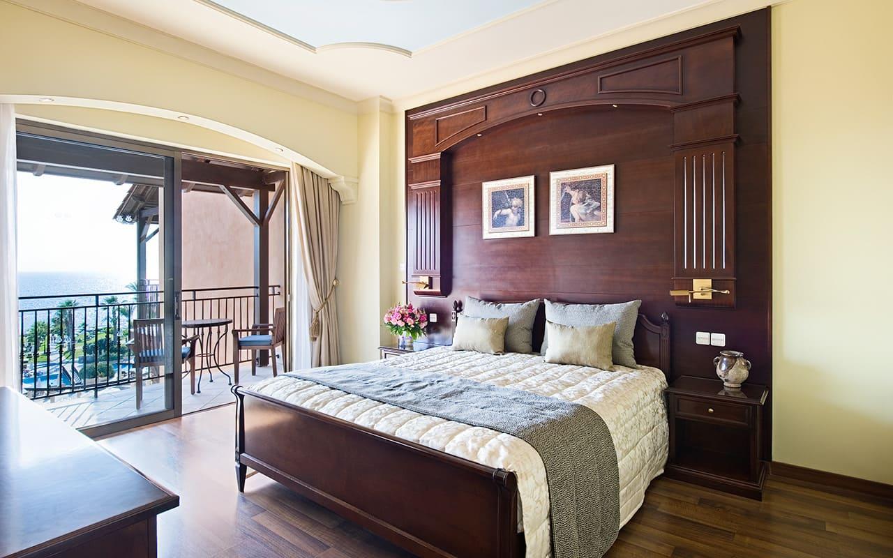 022B-thalia_suite_bedroom