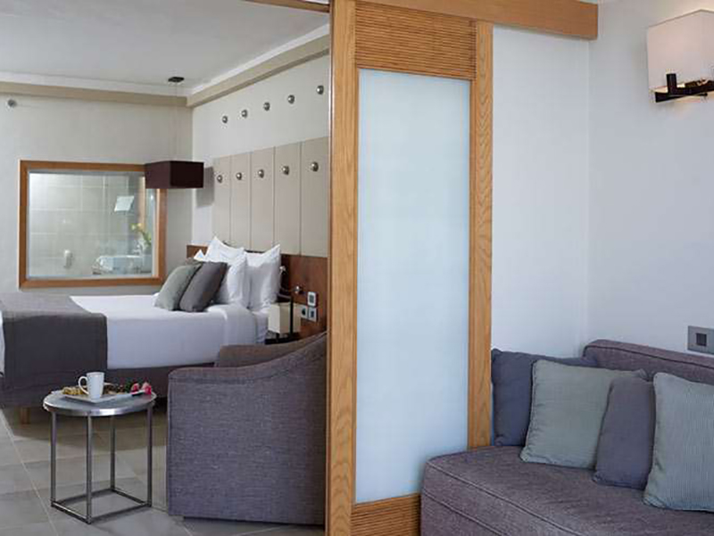 Family Jacuzzi Room (1)