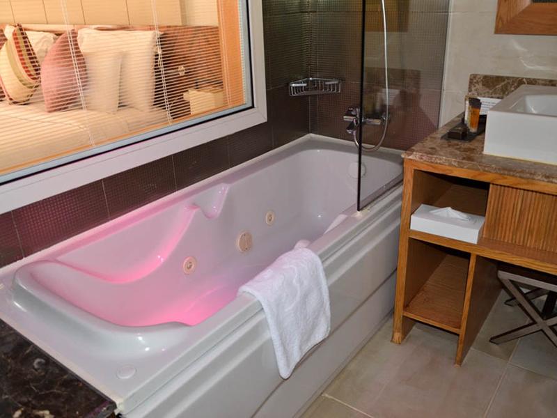 Standard Pool View Room (7)