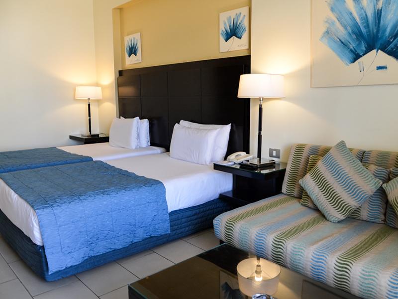 Blue Bay Deluxe Room 4