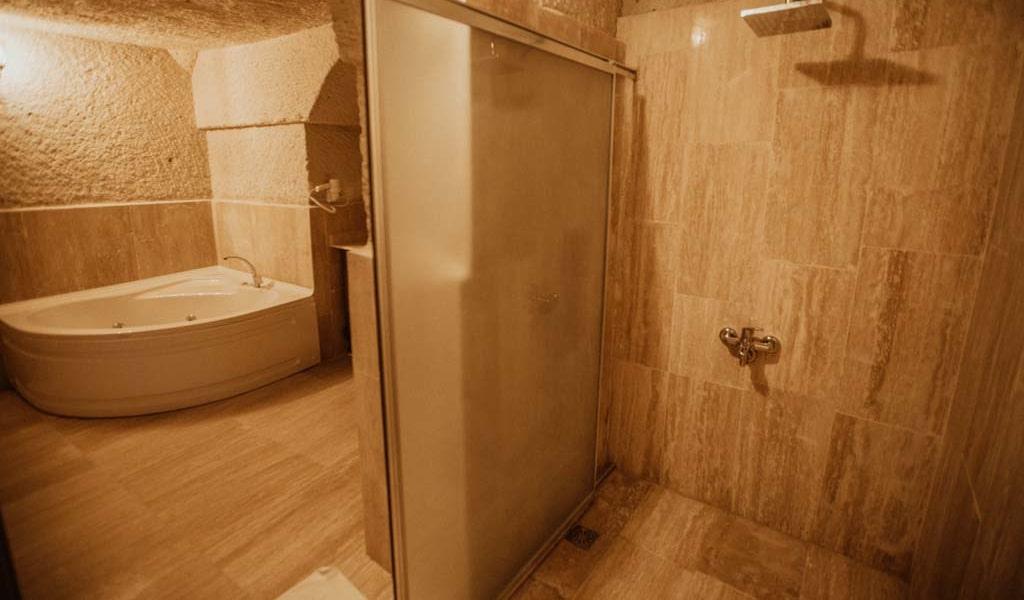 Suite Room_02-min