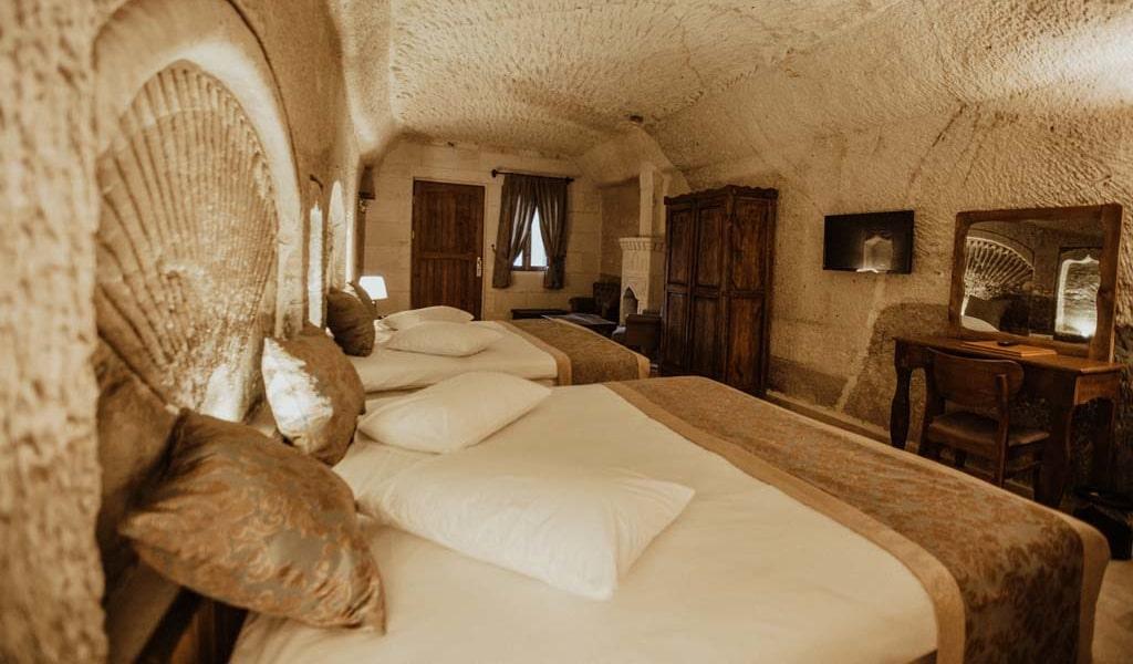 Suite Room_04-min