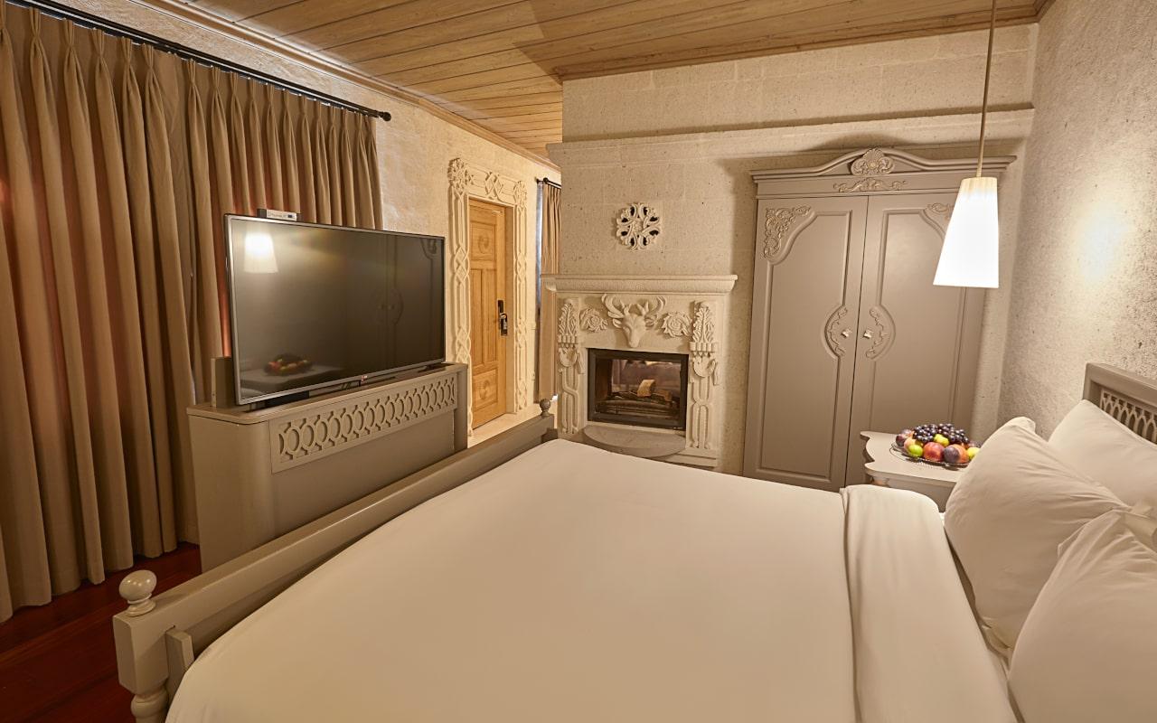 Deluxe Suite Room-min